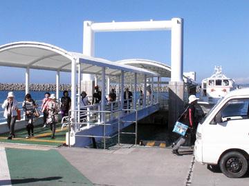 徳仁港桟橋